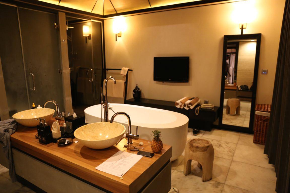 lilybeachbathroom