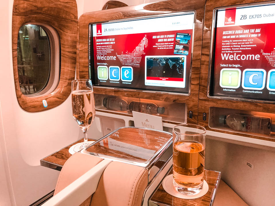 Airline Review – With Emirates in Business class to